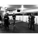 aula de dança de salão em casal