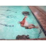 aula de natação avançada
