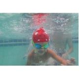 aula de natação para bebe de 2 anos