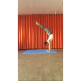 aula de yoga avançada