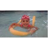escola de natação infantil