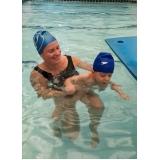escola de natação para deficientes físicos